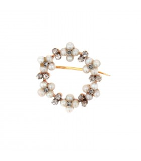 Cultured pearls, diamonds and gold brooch