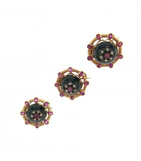 Jasper, rubies, diamonds and gold brooches