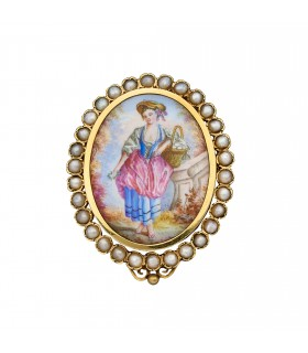 Cultured pearls, miniature and gold brooch