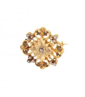 Cultured pearls brooch