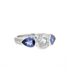Tanzanite, diamonds and gold ring