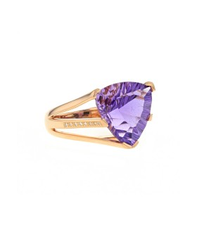Diamonds, amethyst and gold ring