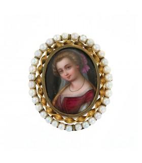 Broche métal doré, miniature et perles