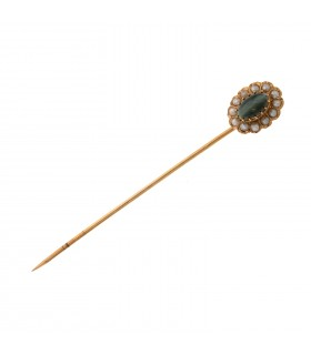 Cultured pearls, chrysoberyl and gold pin