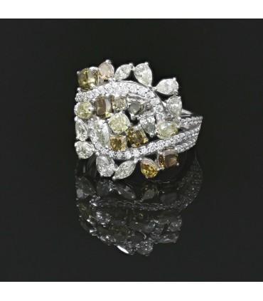 Color diamonds and platinum ring