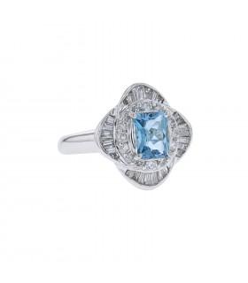 Diamonds, aquamarine and platinum ring