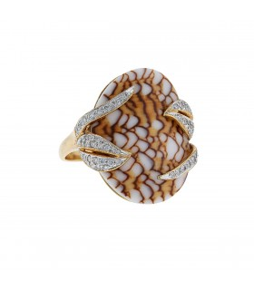 Diamonds, shell and gold ring
